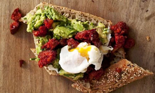 poached-eggs-with-chorizo