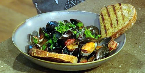 Spicy mussels with chorizo and Irish cider