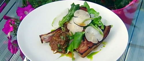 Grilled pork chops with blatjang and radishes
