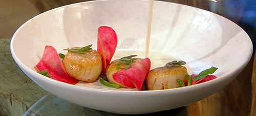 Pan-fried scallops with kipper velouté and sea vegetables