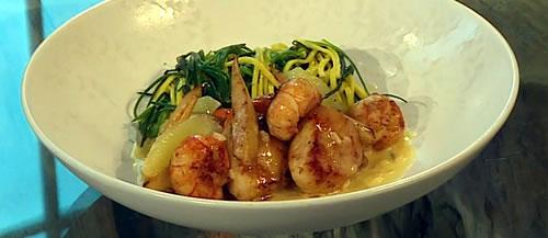 Scallops with lemon sauce and prawn linguine