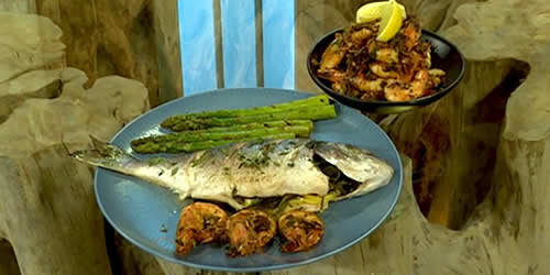 Baked sea bream with garlic prawns