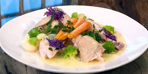 Poached chicken in white wine