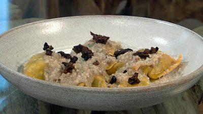 Cavolo nero and ricotta tortelli with walnut sauce