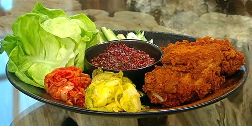 Fried chicken with bread and butter pickles