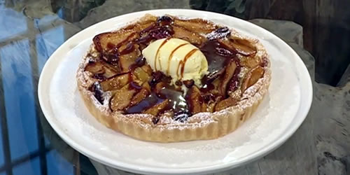 Apple and pecan tart
