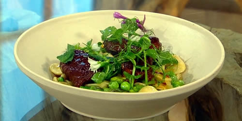 Pork cheeks with orecchiette, broad beans, peas and mint