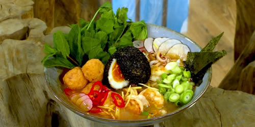 Tiger prawn noodle broth with prawn balls and deep-fried egg