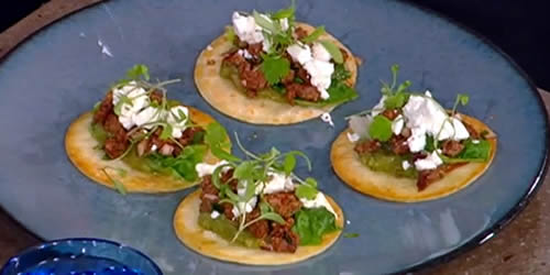 Beef, coriander and lime chalupas