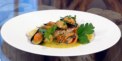 Baked hake with mussels and cider