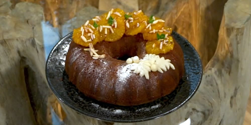 Marzipan cake with oranges