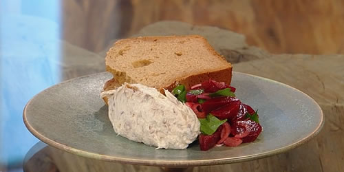 Smoked mackerel pâté with treacle bread and beetroot pickle