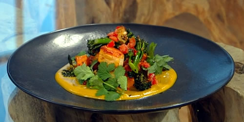 Sweet potato and halloumi curry