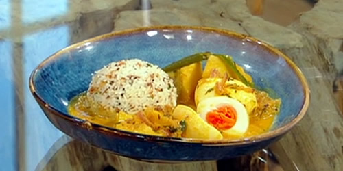 Keralan-style boiled egg curry (Mutta aviyal)