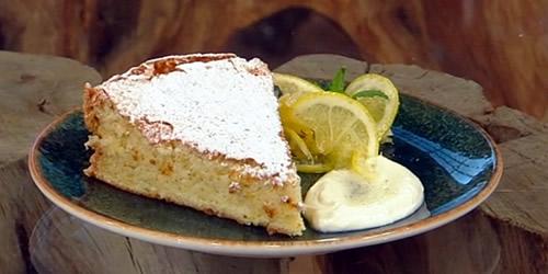 Lemon sponge cake with confit vanilla lemons