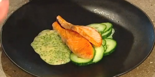 Salmon with sparkling wine and chive butter sauce