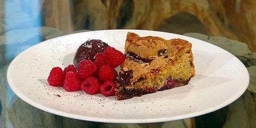 Hazelnut-chocolate-and-raspberry-cake-with-chocolate-cream.jpg