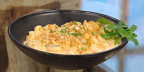 Kimchi-macaroni-and-cheese.jpg