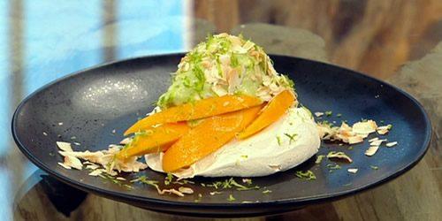Mango-and-coconut-vegan-meringue.jpg