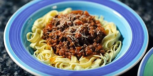 Mary-Berrys-bolognese-ragu-with-pappardelle-e1489125930239.jpg