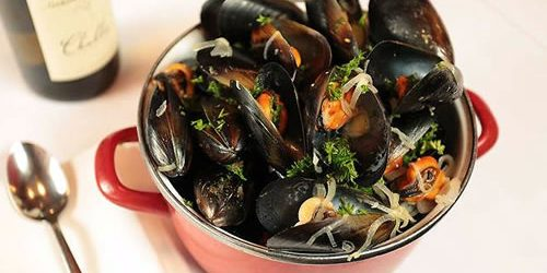 Moules-marinieres-with-apple-cider-and-onions-Rachel-Khoo-recipes.jpg