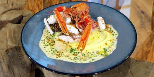 Steamed-seafood-with-creamy-mash.jpg
