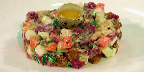 Venison-tartare-hazelnut-mayonnaise-and-apple.jpg