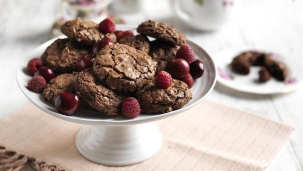 chocolate_cookies_with_95245_16x9.jpg